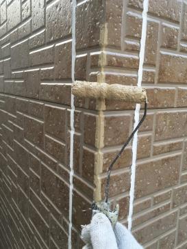 コーナーサイディング角劣化部 調色作業補修塗作業