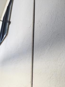 外壁浮き部 ビス止め作業 コーキング補修