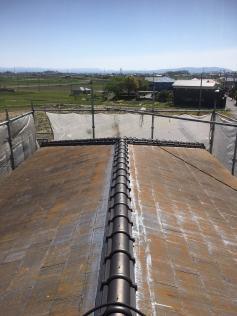 高圧洗浄作業前の屋根
