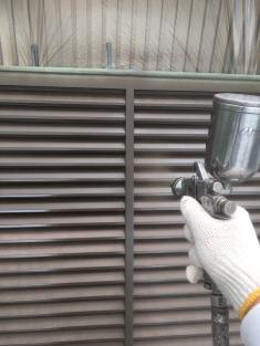雨戸吹付塗装