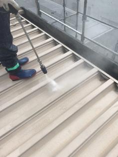 屋根洗浄作業 高圧洗浄