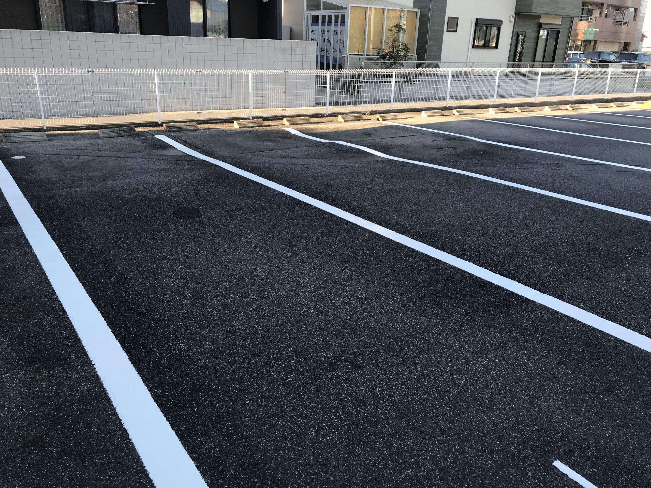 岡崎市マンション様の駐車場ライン引き作業